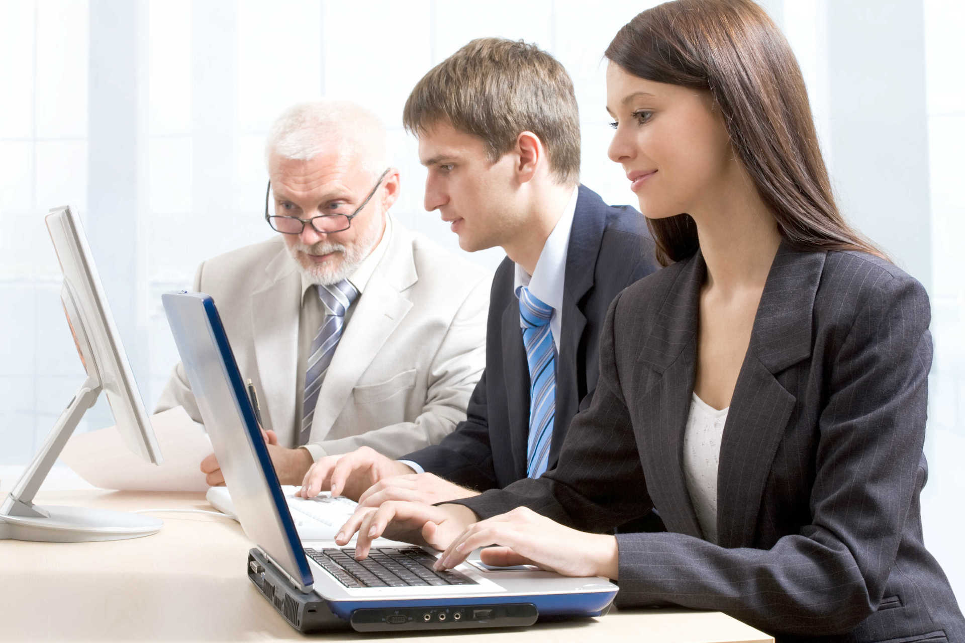 Top 5 Benefits Of Investing In Collaborative Tools