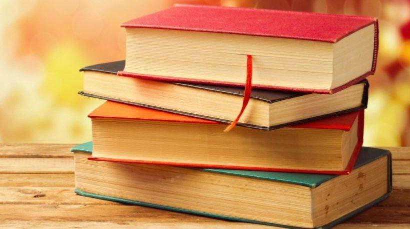 Top 10 Books Every College Student Should Read
