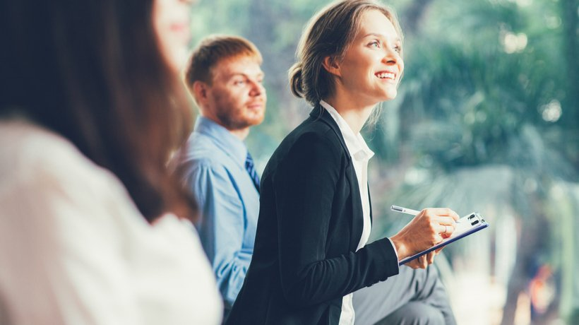Open Minds And Unlock Opportunities: 8 Tips To Increase Employee Receptiveness To Online Training