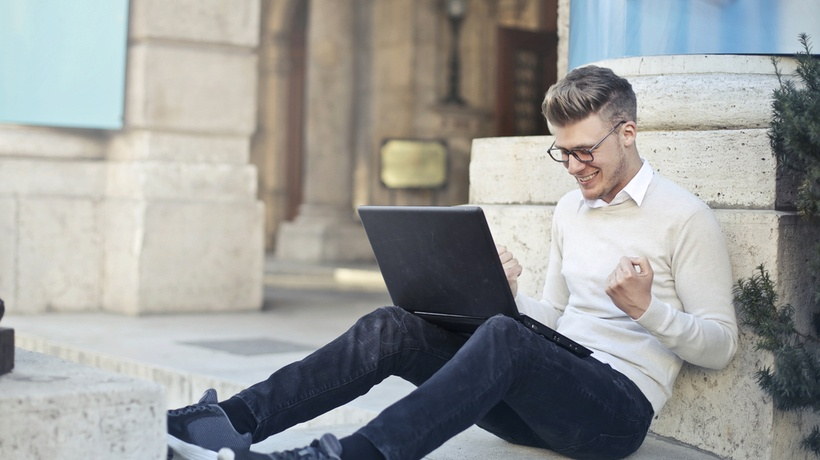 3 Growing Industries To Work In By Studying Online