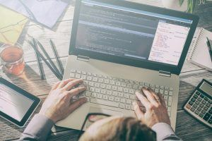 Building An In-House Learning Management System: 4 Pros And 4 Cons To Consider