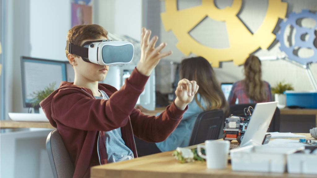 5 Ways Augmented Reality And Virtual Reality Transform The Industry Of Education