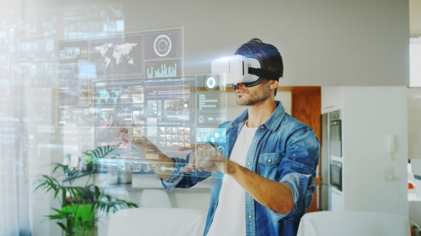augmented and virtual reality differences and application