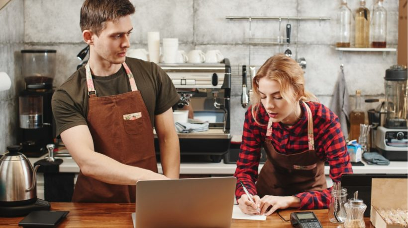 Why Restaurant Employees Prefer eLearning When It's Done Right