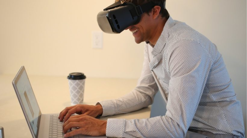 6 Ways To Successfully Use VR Training For Employee Onboarding