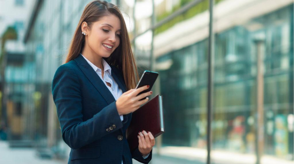 How To Boost Corporate Training ROI With A Custom Mobile Learning App