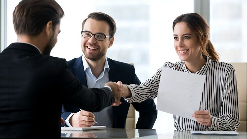 5 Tips to Develop Engaging Onboarding Online Training for Seasonal New Hires