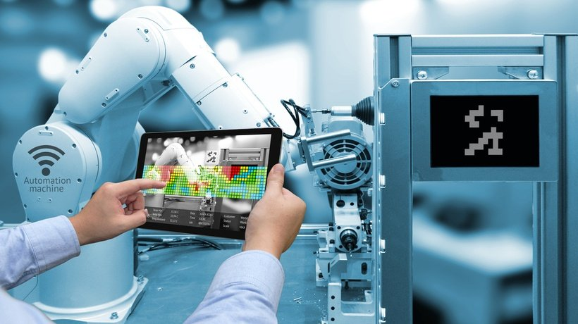 Using AR/VR eLearning Solutions In Manufacturing