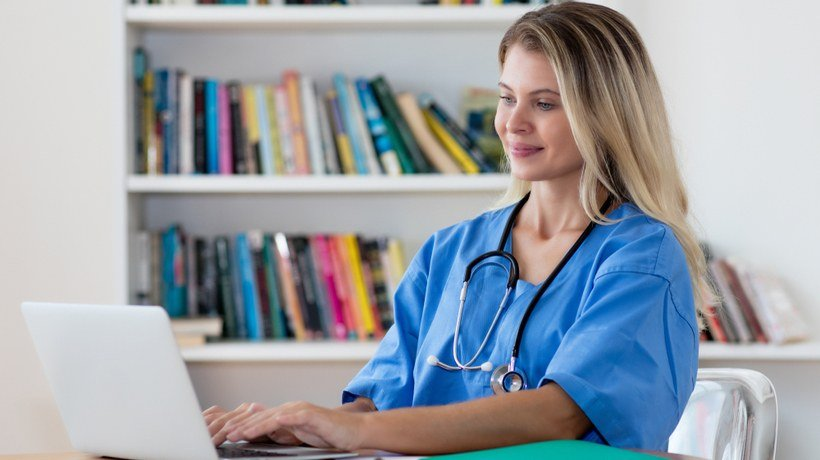 How To Excel In A Nursing Degree Online And Offline