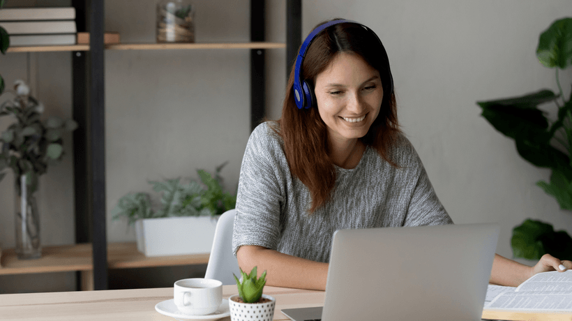 How To Grab And Keep Your Audience's Attention During Online Lessons