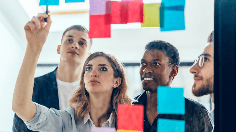 Contextual Microlearning For Empowering Employees